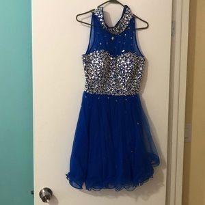 Dresses & Skirts - DylanQueen short sleeveless Homecoming dress